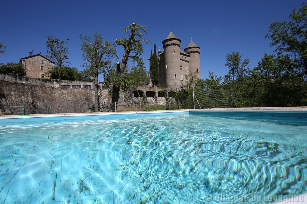 Vue de la piscine for La piscine in english