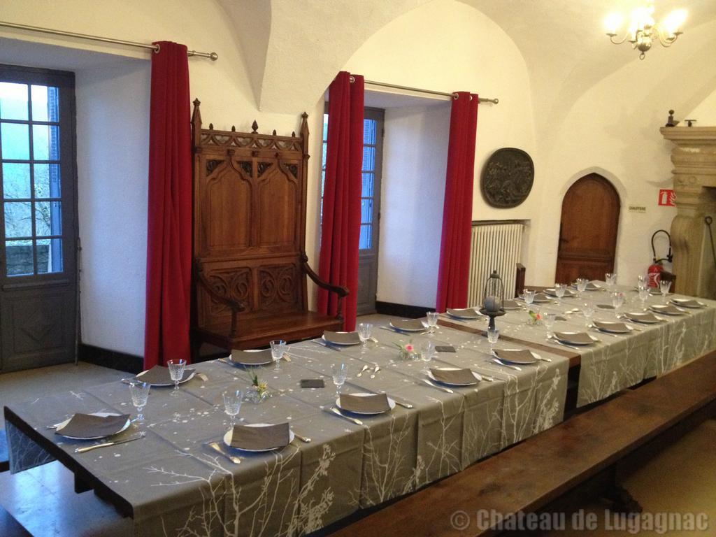 Salle a manger for Chateau d ax table de salle a manger